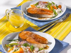 Mariniertes Lachskotelett auf Reissalat Rezept