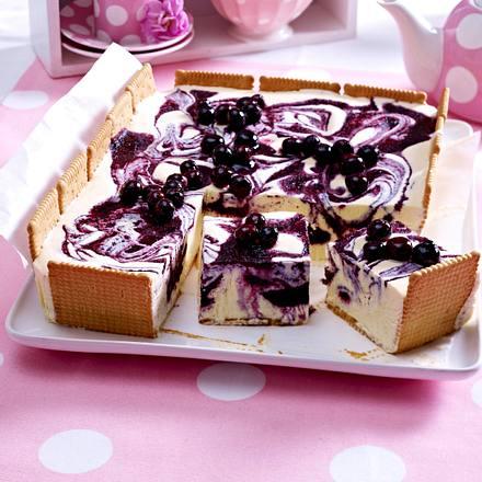 Marmorierte Blaubeer-Vanille-Eistarte Rezept