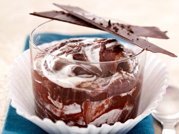 Marmorierte Schokoladencreme mit Mokkastreifen Rezept