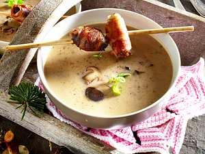 Maronen-Cremesuppe mit Speckpflaumen Rezept