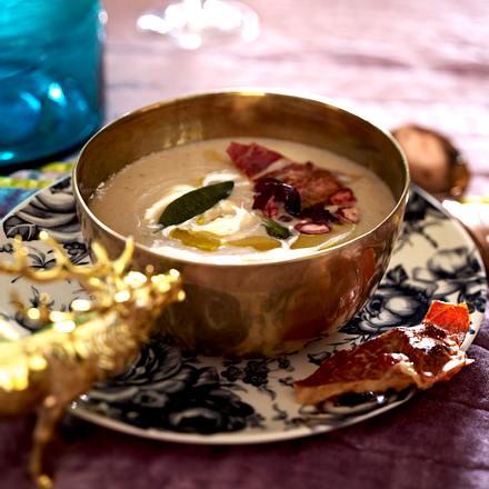 Maronen-Sellerie-Suppe mit Schinken-Cranberry-Wan-Tans Rezept