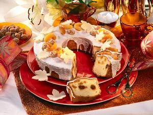 Marzipan-Kuchen mit Amarettini und getrockneten Aprikosen Rezept