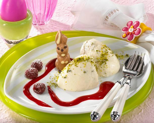 Marzipan-Nocken mit Himbeeren Rezept