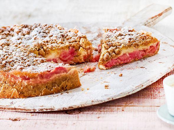 Rhabarberkuchen - fruchtig und frisch!