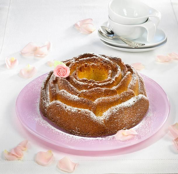 Marzipan-Rosenkuchen Rezept