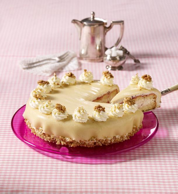 Marzipan-Torte mit Nuss-Sahne Rezept   LECKER