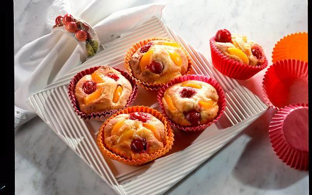 Marzipantörtchen mit Kirschen und Aprikosen Rezept