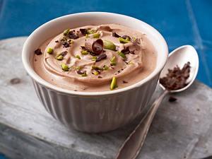 Mascarponecreme mit Schokolade und Pistazien Rezept