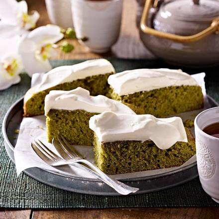 Matcha-Tee-Kuchen mit Johannisbeeren Rezept