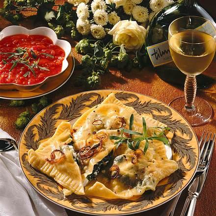 Maultaschen mit Tomaten-Estragonsoße Rezept