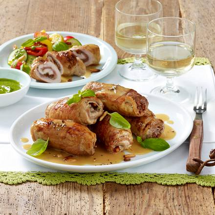 Mediterrane Schweineroulade zu Sommersalat Rezept