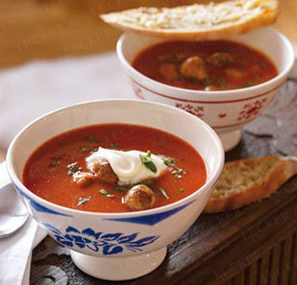 Mediterrane Tomatensuppe mit Hackbällchen Rezept