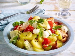 Mediterraner Kartoffelsalat mit Lachs Rezept