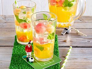 Fußball WM-Party 2014: Melonen-Sanddorn-Sangria Rezept