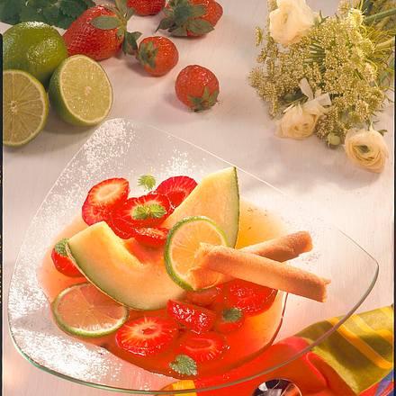 Melonenspalten mit Erdbeeren Rezept