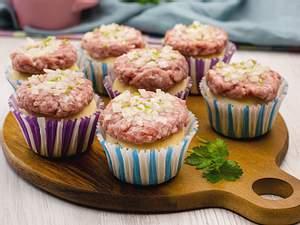 Mettbrötchen-Muffins Rezept