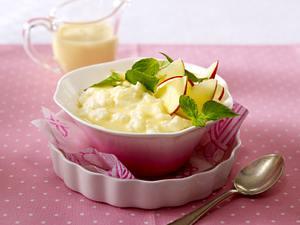 Milchreis mit Äpfeln, Vanillesoße und Minze Rezept