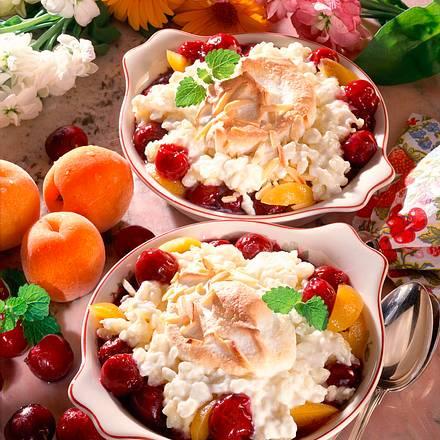 Milchreis mit Kirsch-Aprikosen-Kompott und Eischnee Rezept