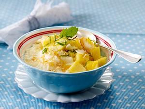 Milchreis mit Kokos, Ananas und Melisse Rezept