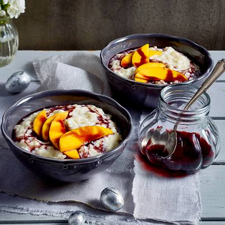 Milchreis mit Portweinsoße und Mangospalten Rezept