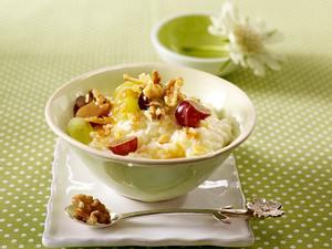 Milchreis mit Trauben, Walnüssen und Karamellsoße Rezept
