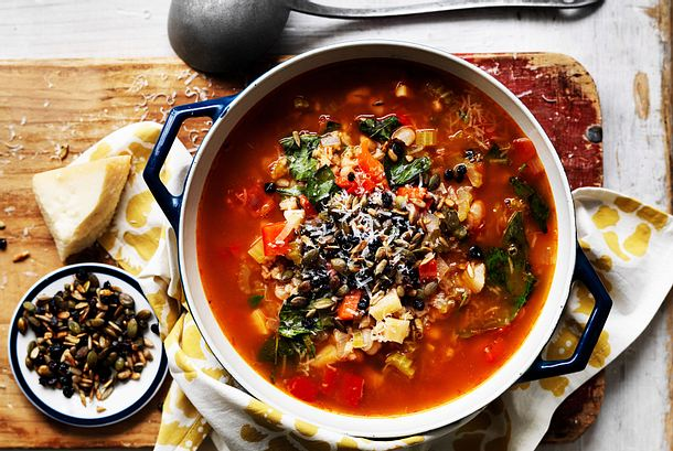 Minestrone mit Energy-Topping Rezept