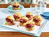 Mini-Burger mit Rote Bete-Dressing und Speck Rezept