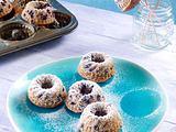 Mini-Guglhupf mit Buttermilch und Holunderbeeren Rezept