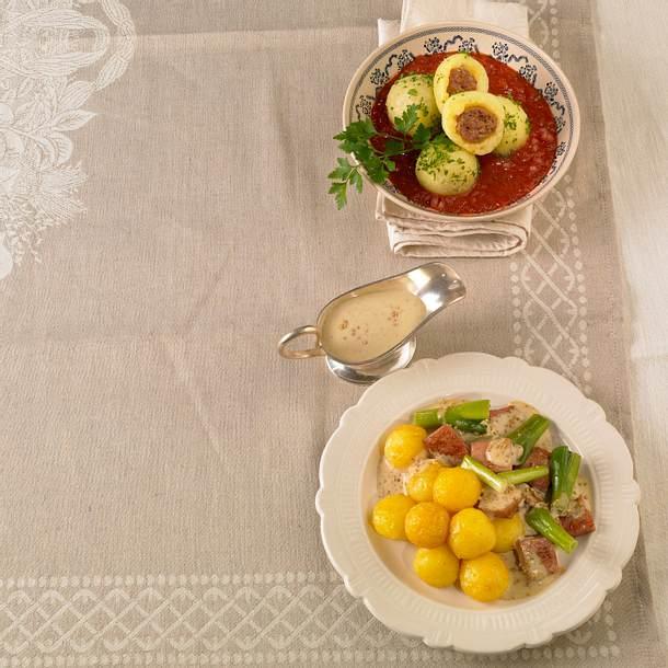 Mini-Käseknödel mit Fleischkäse und Lauchzwiebeln in Senfsoße Rezept