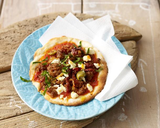 mini pizza mit hack rezept chefkoch rezepte auf kochen backen und schnelle gerichte. Black Bedroom Furniture Sets. Home Design Ideas