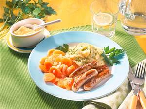 Mini-Rostbratwürstchen mit Schnittlauch-Kartoffelpüree Rezept