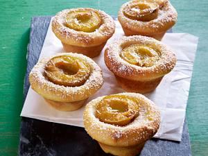 Mini-Rührteigkuchen mit Mirabellen und Cashewkernen Rezept