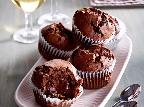Mini-Schoko-Muffins mit Nougatkern und Krokant Rezept