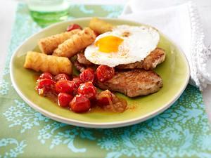 Minutensteaks mit Spiegelei, Tomaten und Kroketten Rezept