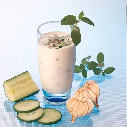 Minz-Joghurtdrink mit Gurke Rezept