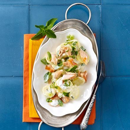 Minze-Kartoffelsalat mit Lachsforelle Rezept