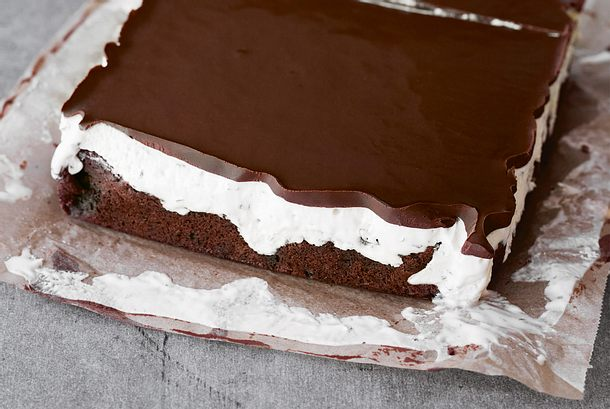 Minzschokoladeneis-Schnitten Rezept