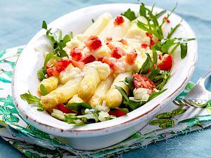 Mit Feta gratinierter Spargel zu Erdbeeren Rezept