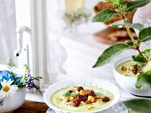 Mittsommer – Schwedische Erbsensuppe mit Köttbullar Rezept