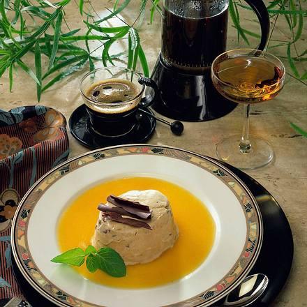 Moccaparfait mit Aprikosensoße Rezept