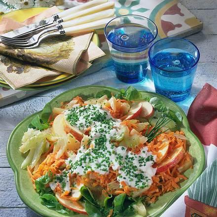 Möhren-Apfel-Staudensellerie-Salat Rezept