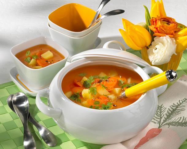 Möhren-Kartoffel-Orangensuppe mit Kerbel Rezept