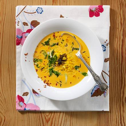 Möhren-Kokossuppe mit Pak Choi und Reis Rezept