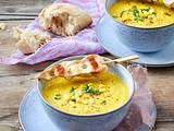 Möhren-Mais-Suppe mit Hähnchenspießen Rezept