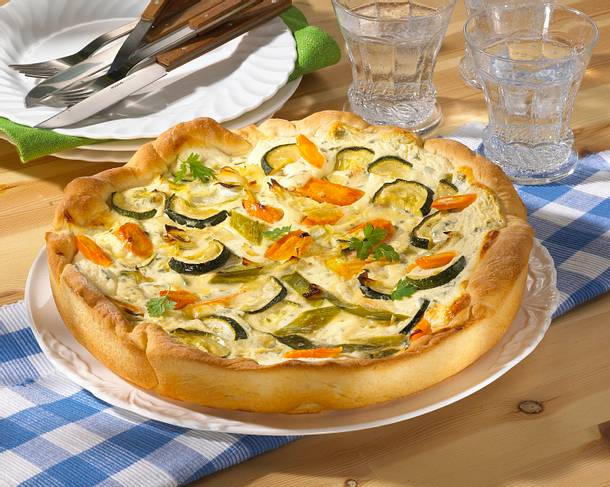 Möhren-Zucchini-Quark-Quiche Rezept