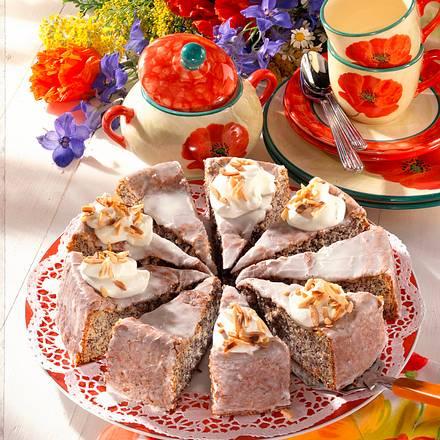 Mohn-Apfel-Biskuit-Kuchen Rezept