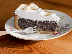 Mohn-Marzipan-Kuchen mit Baiser Rezept