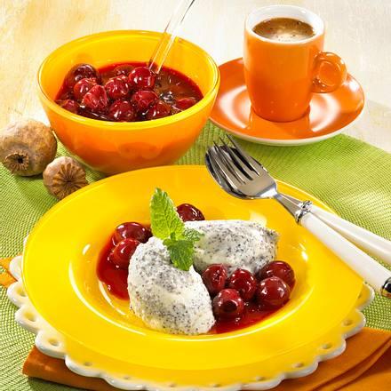 Mohn-Mousse mit Kirschen Rezept