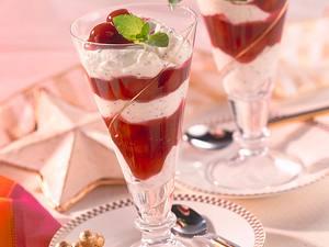 Mohn-Sahne-Creme mit Sauerkirschen Rezept