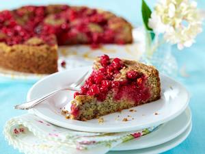 Mohnkuchen mit Johannisbeeren Rezept